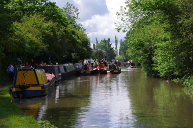 grand union canal.jpg