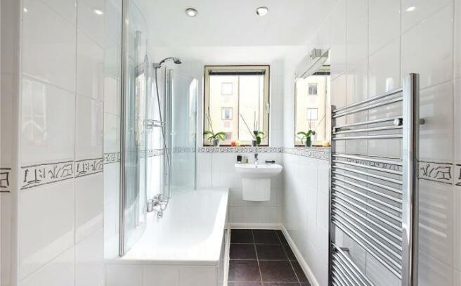 Bathroom 1 Wapping