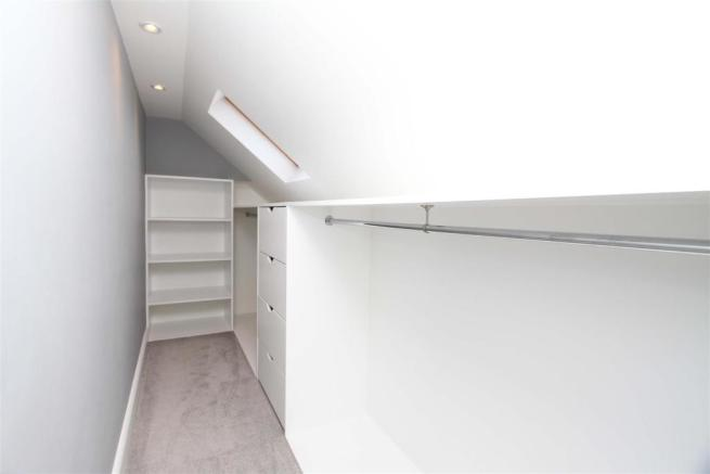 Eave wardrobe space