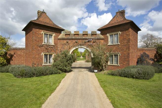 Gate House Lodges
