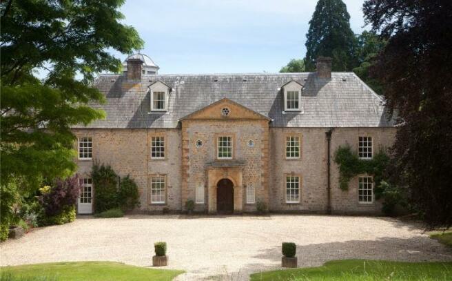 Slape Manor