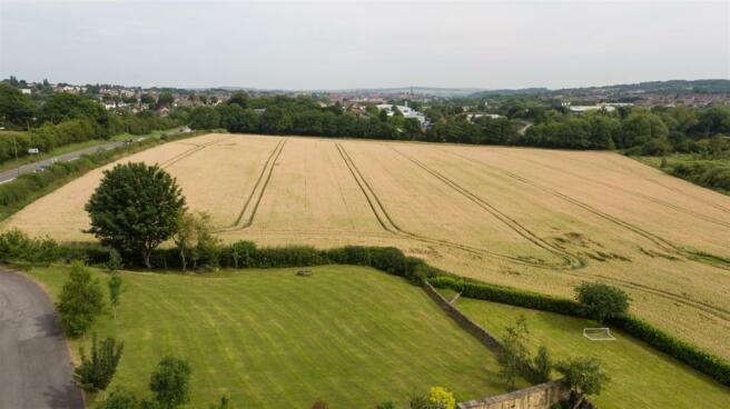 Field Barn-014.jpg