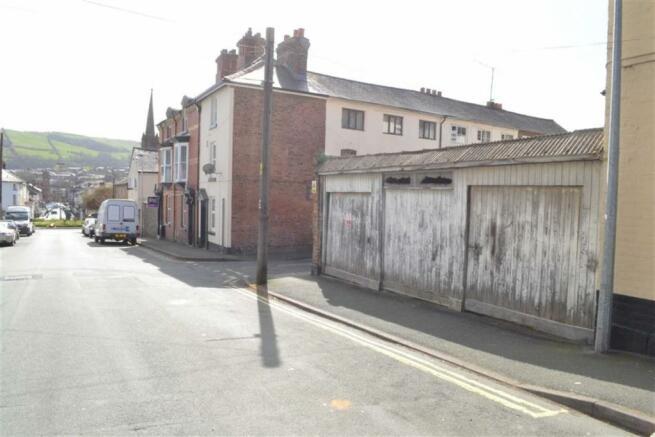 3 Garages Fronting Crescent Street
