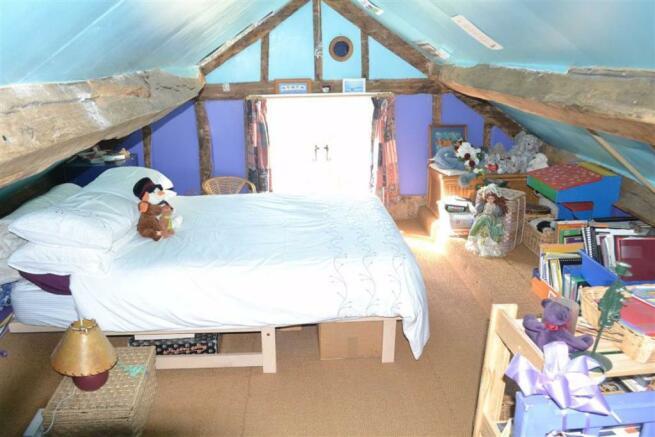 Attic Bedroom (4)