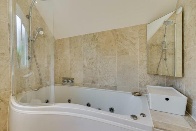 Bathroom with Jac...