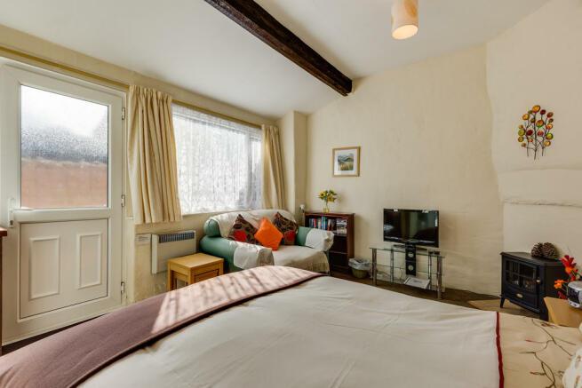 Cottage Lounge Ar...