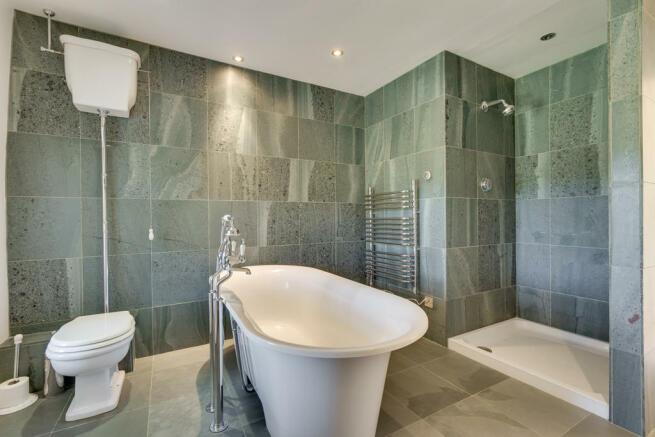 Luxury House Bath...