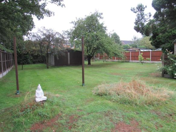 st bern 202a garden2.jpg