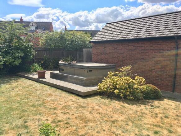 rear garden aspect 2