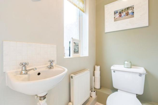 downstairs wc 3 bedroom link detached house for sale in amey gardens totton