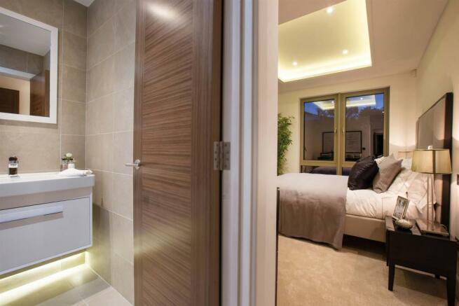 Bed - En-suite.jpg