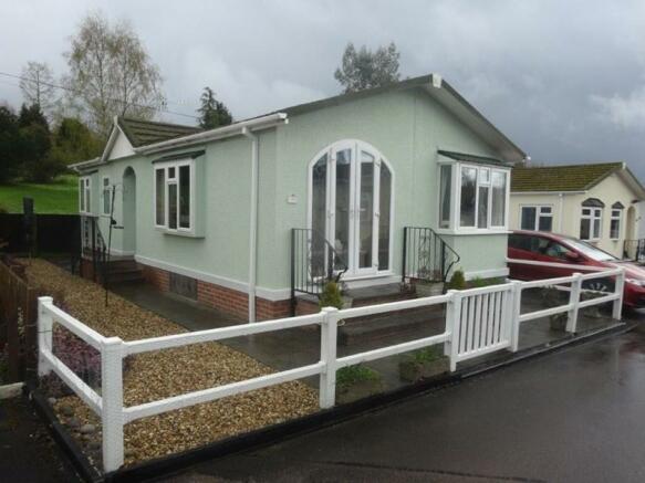 2 bedroom mobile home for sale in Belindas Park, Milkwall