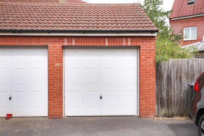 Garage & Drive