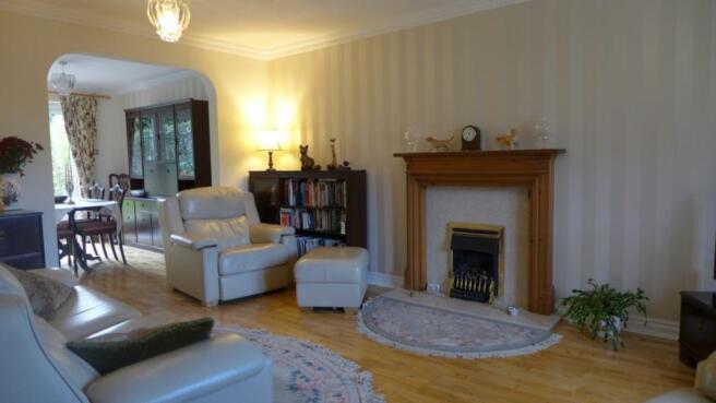 Woodbank 5 Sitting Room 002
