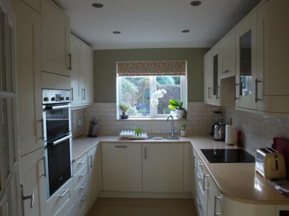 woodbank 5 Kitchen 015