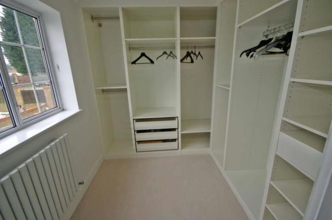 DRESSING AREA BED 2