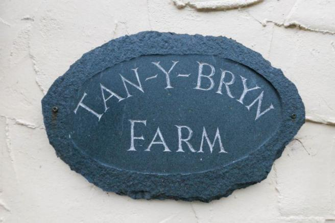 Tan-Y-Bryn Farm