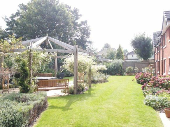 comm gardens