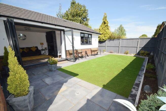 Garden (rear) (2)
