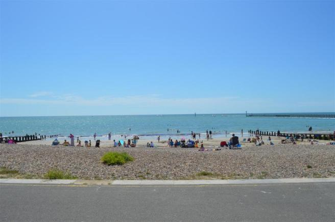 GREEN AND BEACH OPPOSITE