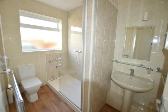 BATHROOM / SHOWER ROOM