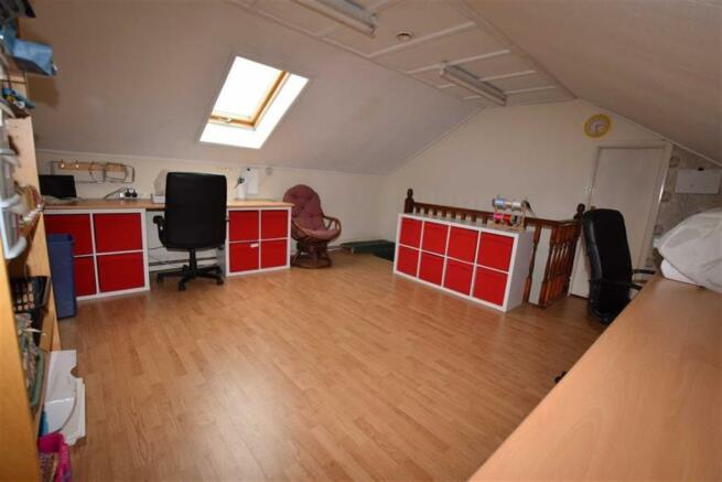 Bedroom/Office/Craft Room