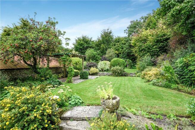 Garden (Middle Lawn)