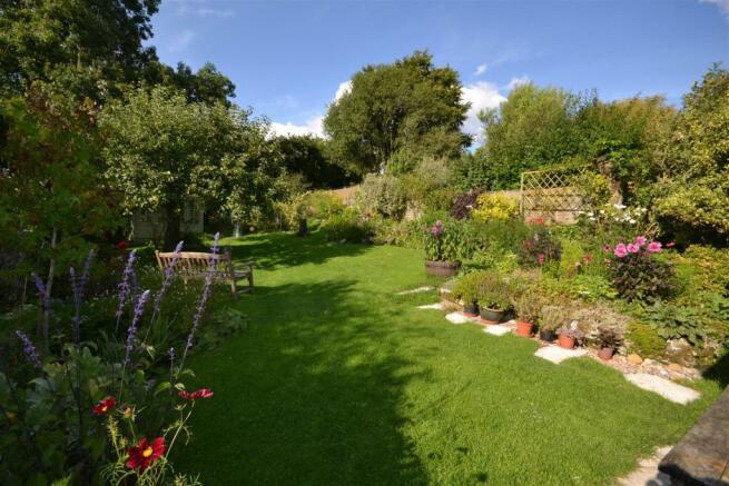 7 Lovely garden.JPG