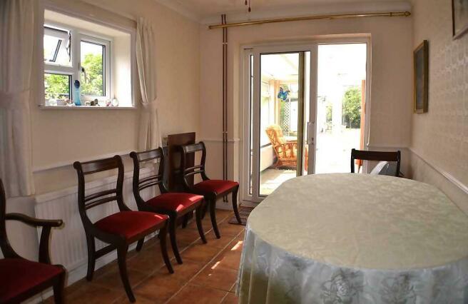 Bedroom 3 /Dining