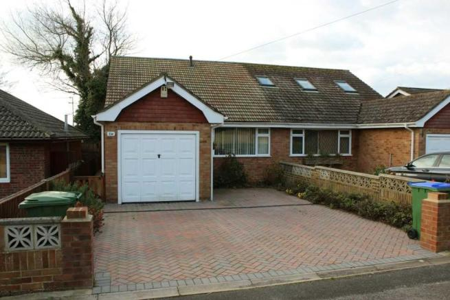 2 Bedroom Bungalow For Sale In Tor Road Peacehaven Bn10