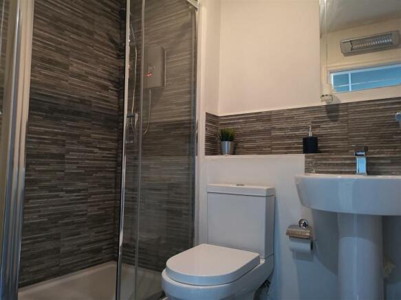 Room 25 bathroom