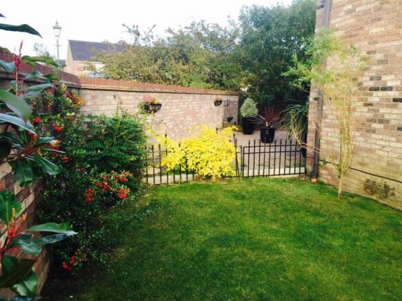 Side Garden.jpeg.jpg