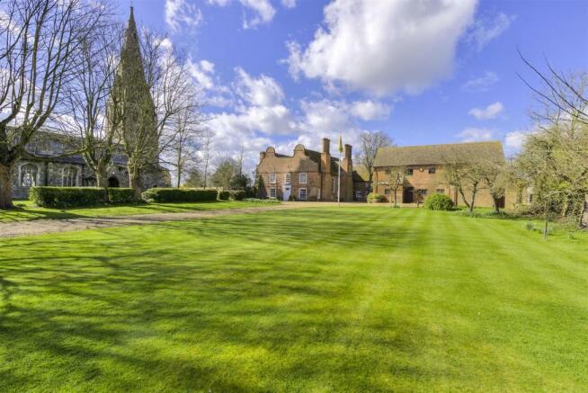 Manor House externals ph03.jpg