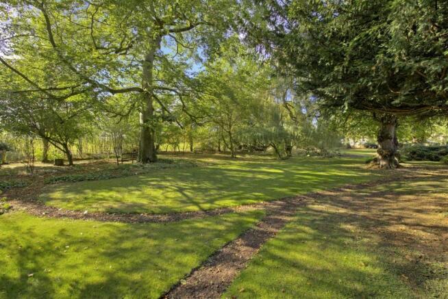 Robin Hood Cottage fpz175094 (10).jpg