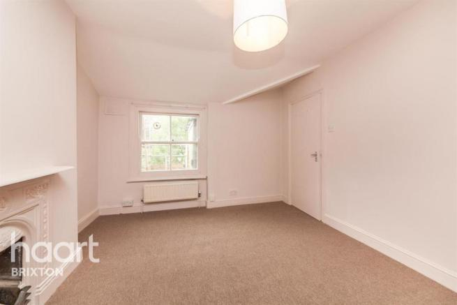4 bedroom flat to rent in Kingswood Road, Brixton, SW2