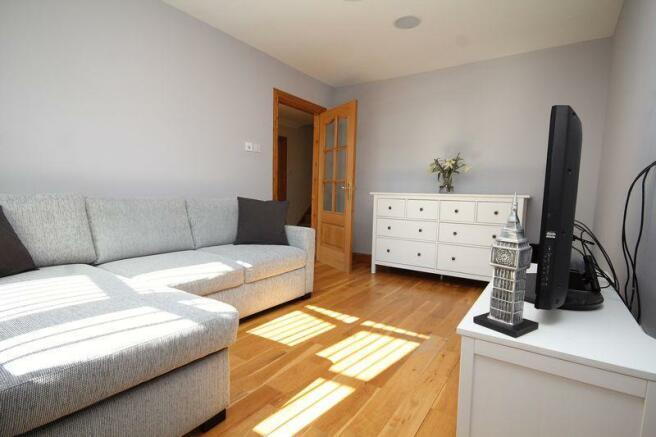 Guest Room (1)