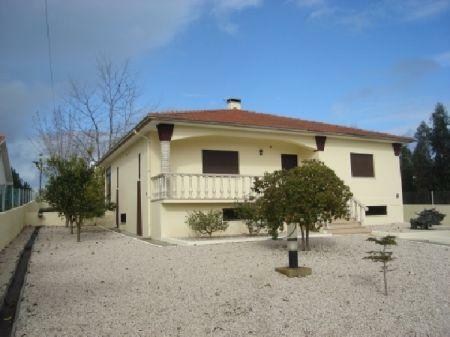 Image 1, 4 Bedroomed Villa : AV609