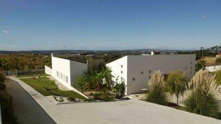 Image 2, 3 Bedroomed Villa : AV909