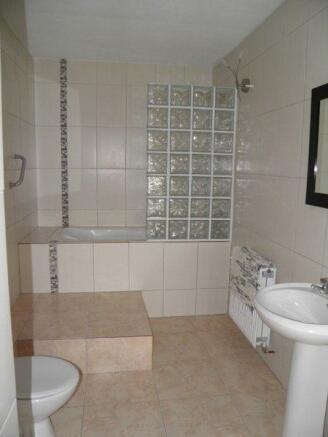 Image 8, 4 Bedroomed Villa : AV1193