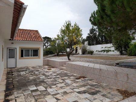 Image 2, 4 Bedroomed Villa : AV1193
