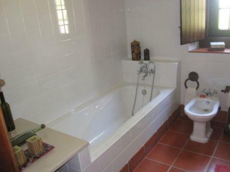 Image 9, 2 Bedroomed Villa : AV1205