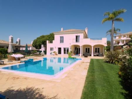 Image 1, 4 Bedroomed Villa : DV349
