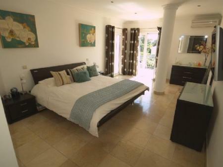 Image 8, 4 Bedroomed Villa : DV349