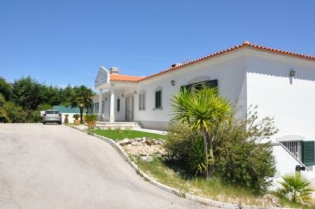 Image 9, 4 Bedroomed Villa : AV1773