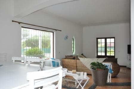 Image 4, 3 Bedroomed Villa : AV1774