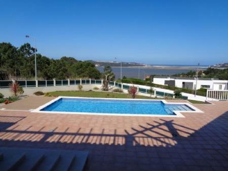 Image 2, 5 Bedroomed Villa : AV1411