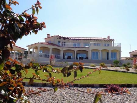 Image 1, 5 Bedroomed Villa : AV1411