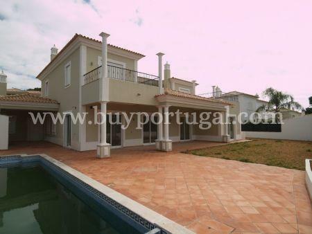 Image 1, 4 Bedroomed Villa : DV350