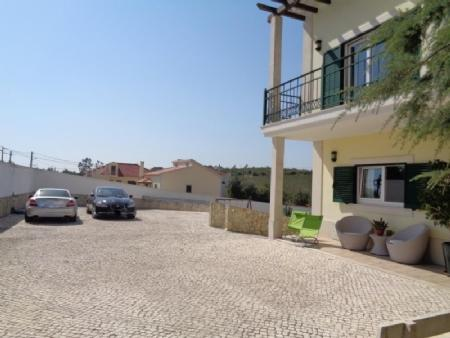 Image 1, 4 Bedroomed Villa : AV1580