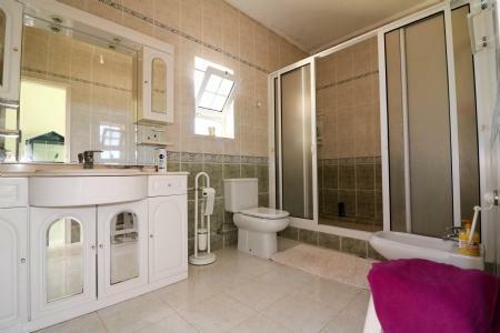 Image 12, 4 Bedroomed Villa : JV101879